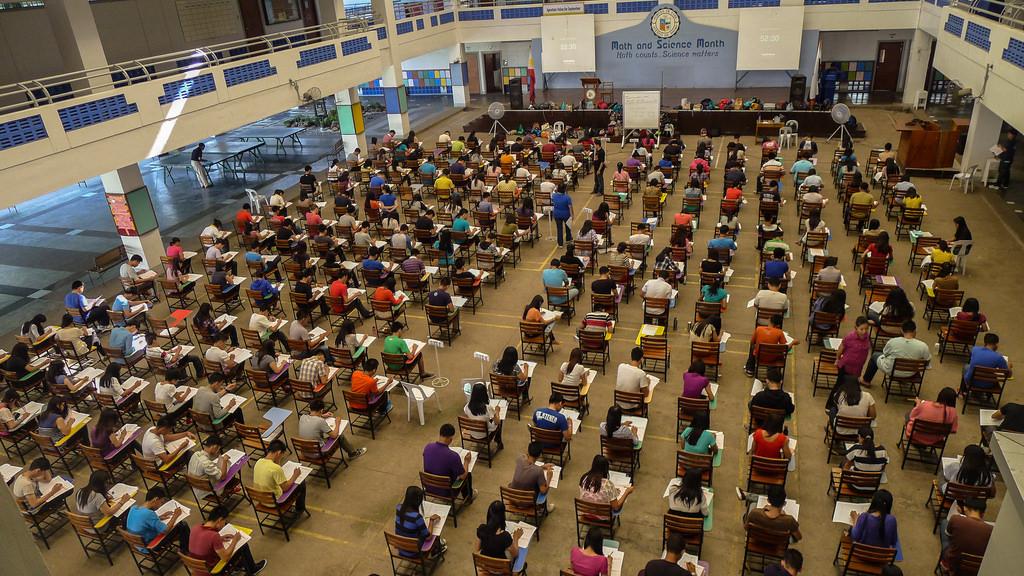 センター試験の廃止によって浪人生や再受験生にはどんな影響がある?